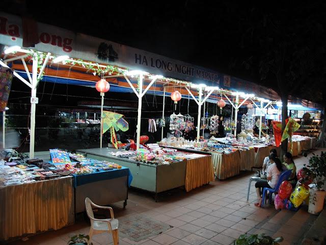 Top 10 popular night markets in Vietnam 2