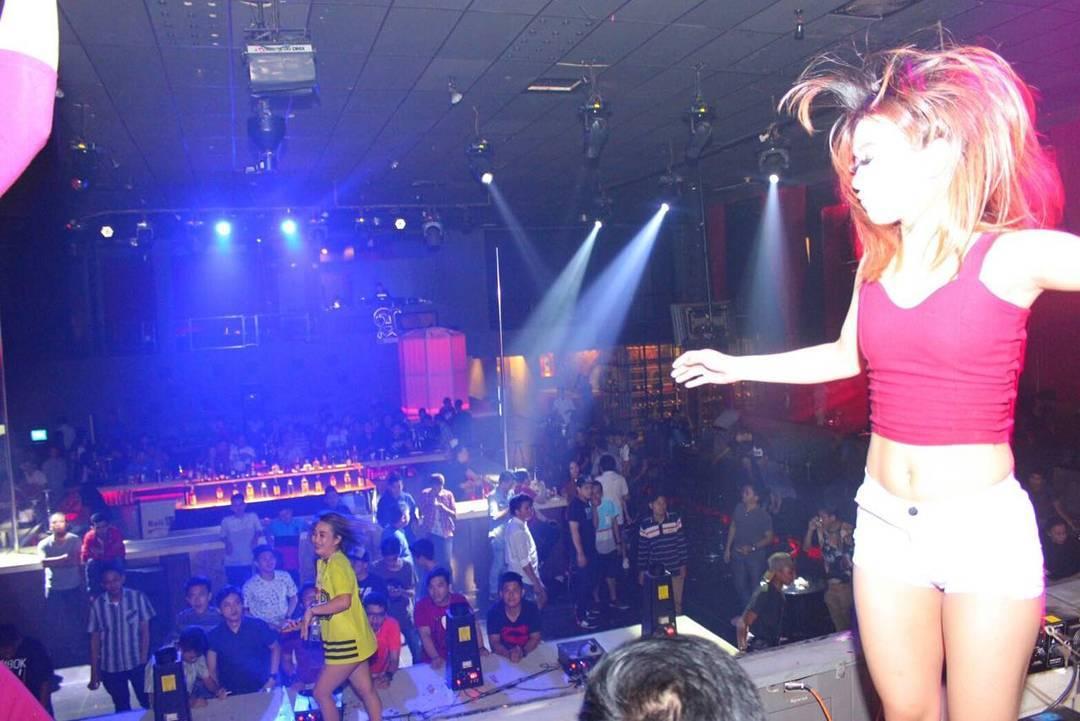 Cloud 9 (Manado Nightlife) | Jakarta100bars Nightlife