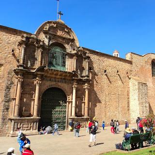 Fachada da Iglesia de la Merced, em Cusco