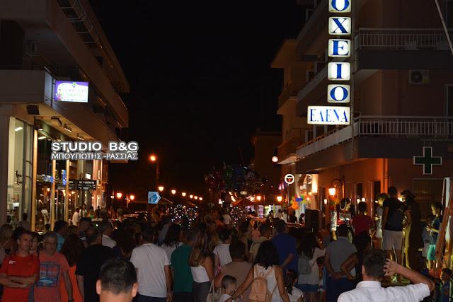 """Χιλιάδες κόσμου στο Ναύπλιο για την """"Λευκή Νύχτα"""" με πανσέληνο"""