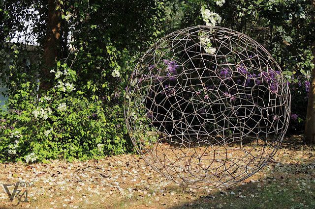 Artwork at the gardens of Citadine