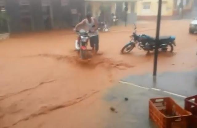 Chuva forte causa enxurrada em Afonso Cláudio