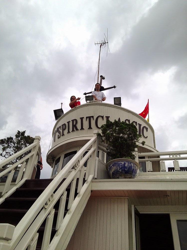 Halong Bay - Berada di puncak V' Spirit Classic Cruise