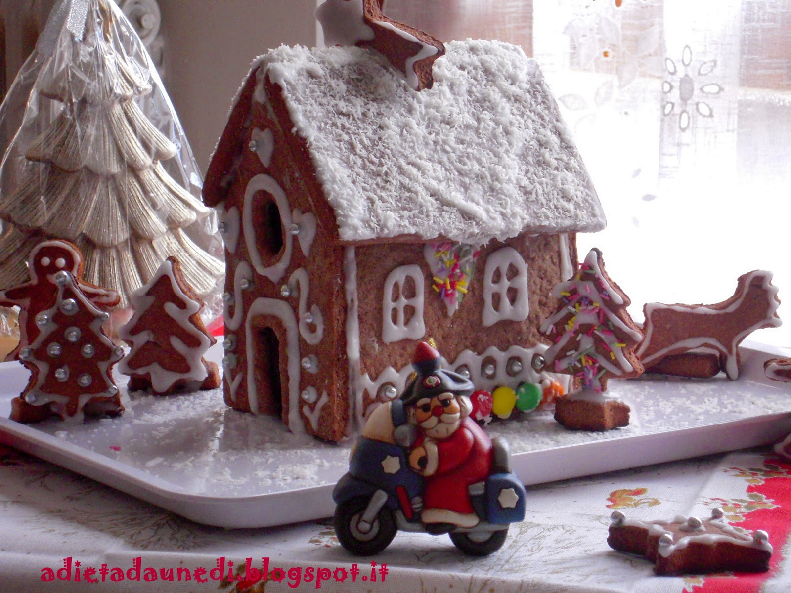 Casetta Di Natale Da Colorare : A dieta da lunedì: casetta di pan di zenzero: gingerbread christmas
