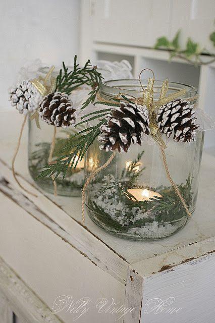 Decoratiune Craciun borcan reciclat conuri de brad