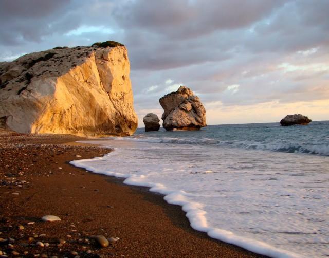 paphos-spiaggia-afrodite-cipro-poracci-in-viaggio-pacchetto-volo-appartamento