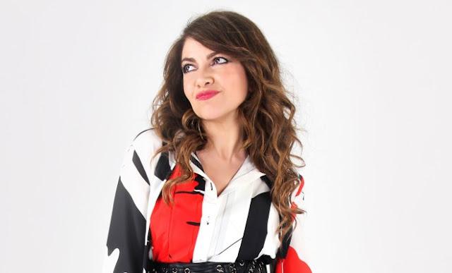 Cristina D Avena canta la sigla del nuovo film dei  Puffi  b64055560ace