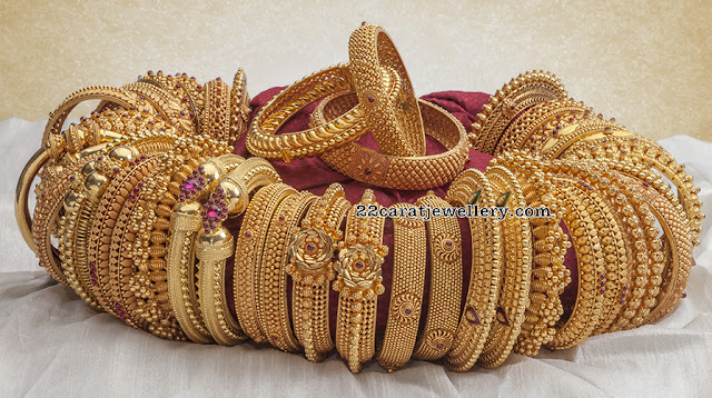 Trendy Bangles in Antique Kundan Work