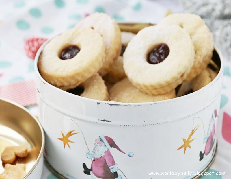 ciasteczka linckie, przepis na ciasteczka linckie, prezent na dzień Babci i dzien Dziadka, prezent na Walentynki, prezent dla przyjaciólki, ciasteczka na prezent, dekoracyjne ciasteczka, ładne ciasteczka, linzer cookies, efektowne ciasteczka