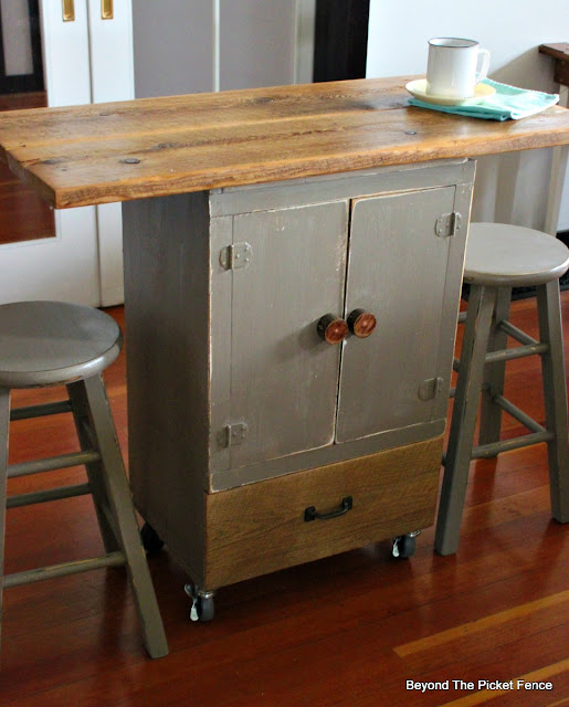 kitchen island, upcylced, old cupboard, chalk paint, bar, coffee,https://goo.gl/GTqvzh