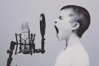 Bernyanyi dan ekspresikan perasaan