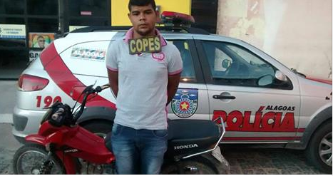 Olho D'Água do Casado: Jovem é preso com moto adulterada e com queixa de roubo
