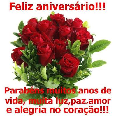 Mensagem de feliz aniversário com flores
