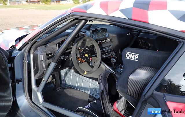 ハンガリーで目撃された新型スープラの開発車両「A110」の内装写真