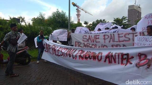 Massa Demo Prabowo di Surabaya Ajak Tak Pilih Pemimpin Pro Asing