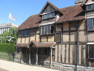 Seeing the front of Shakespeare's birthplace in Stratford-upon-Avon