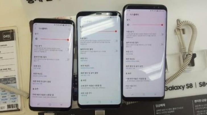 Samsung menyatakan sifat layar Super AMOLED itu mengakibatkan warna merah