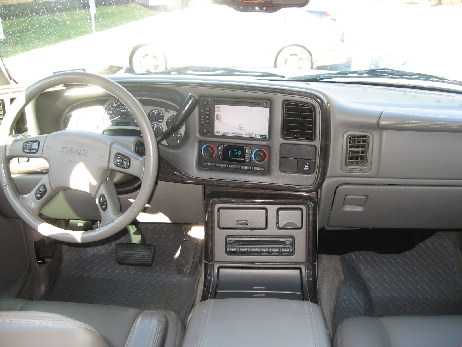 2005 gmc yukon xl denali interior. Black Bedroom Furniture Sets. Home Design Ideas