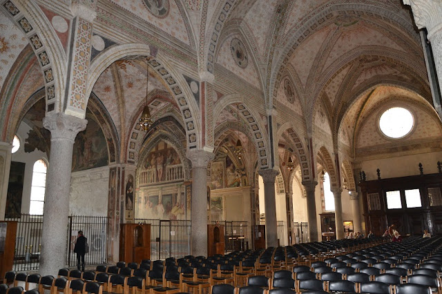Interior da igreja Santa Maria delle Grazie