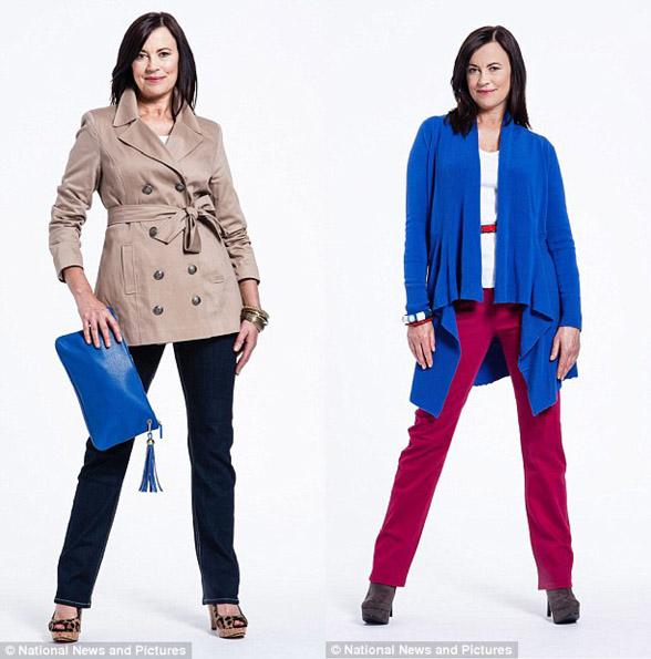Женщина за 50 в модном плаще и кардигане