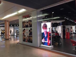 ecran-led-interieur en galerie marchande