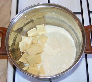 Preparare sos de ciocolata alba reteta,