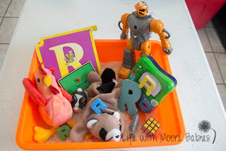 How to Make a Letter R Sensory Bin