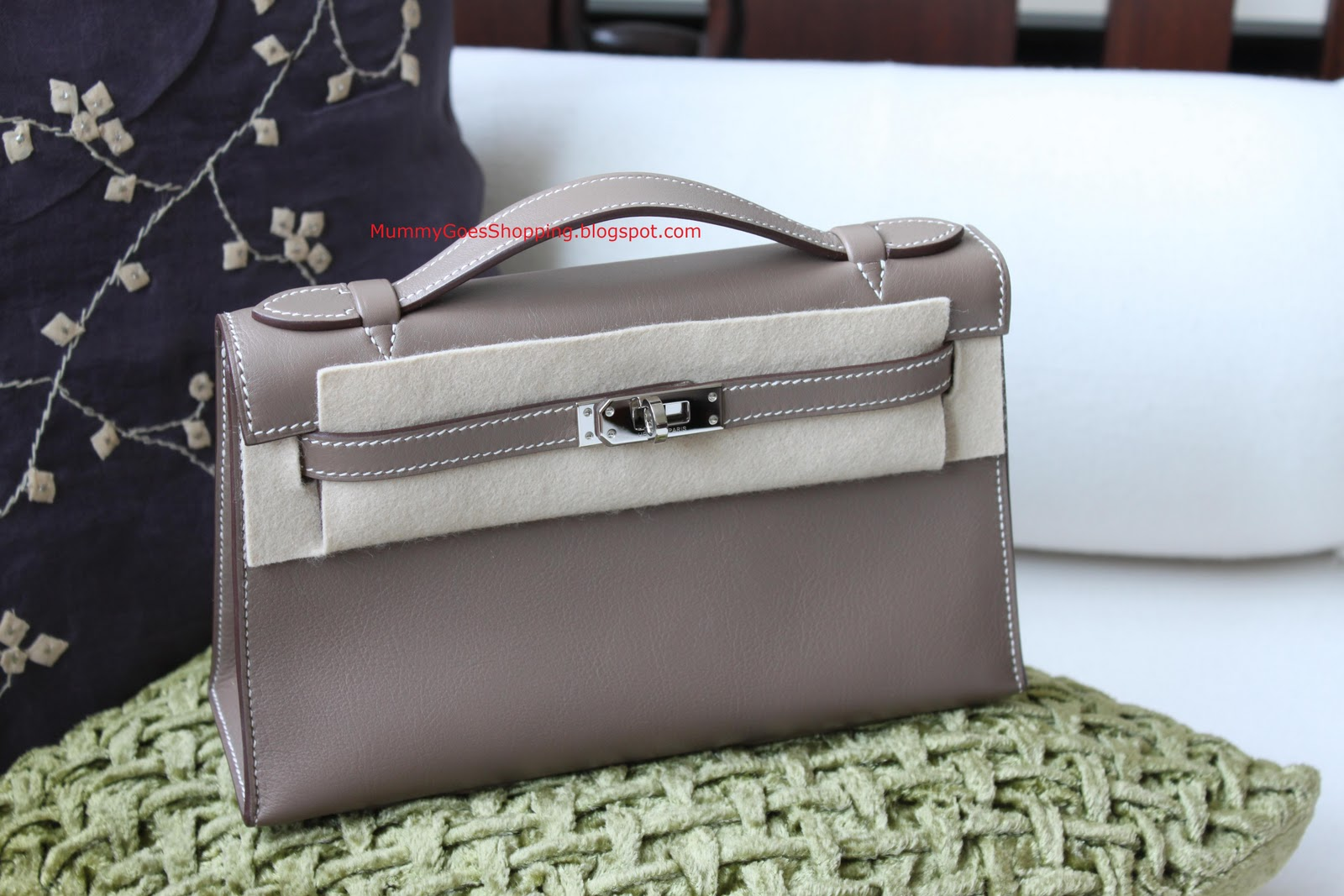 42d5a465f45fc Hermes Kelly Pochette in Etoupe swift leather. Hardwares are in Palladium.  L stamped but used twice. It is MINT. No flaws at all.
