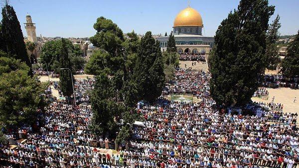 250.000 Warga Palestina Shalat Jumat Bulan Ramadan Pertama di al Aqsha