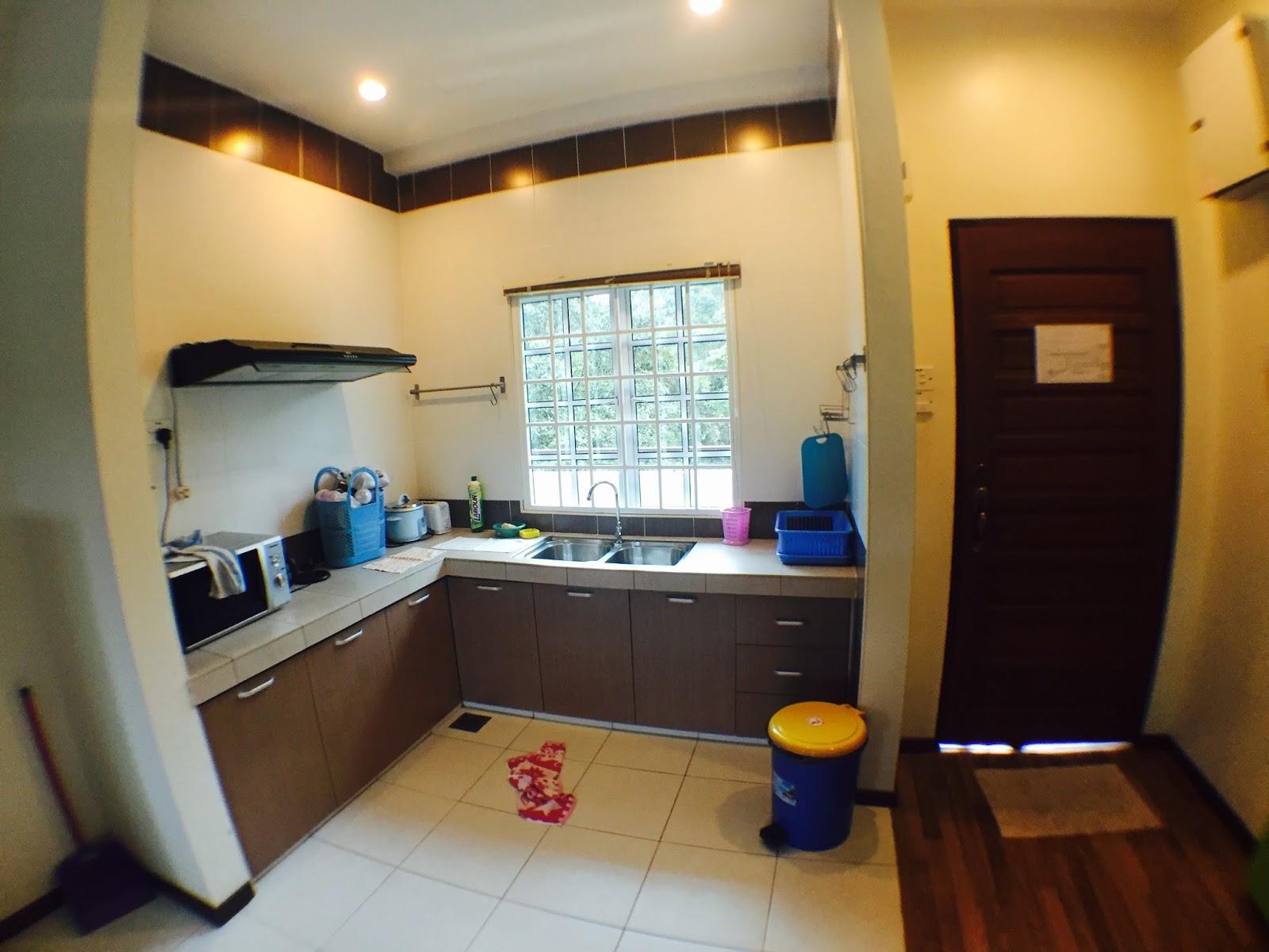 Actually Setiap Rumah Dekat Apartment Ni Ada Owner Dia Sendiri And Kebetulan Aku Dapat Malay Sangat La Menjaga