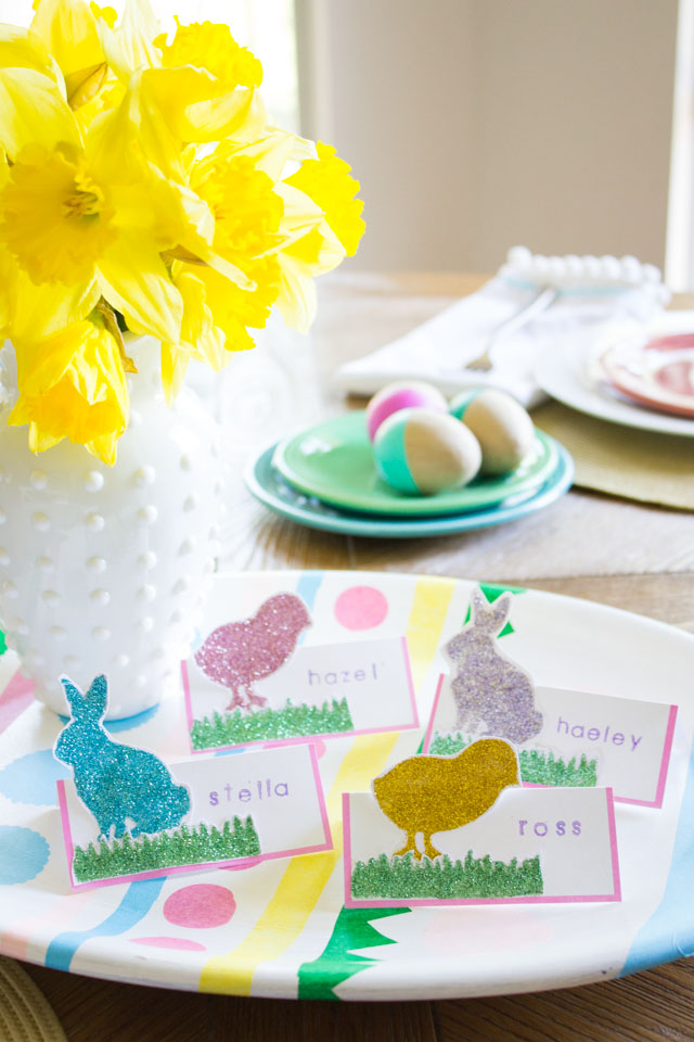 Make pretty glittered place cards for your Easter table!