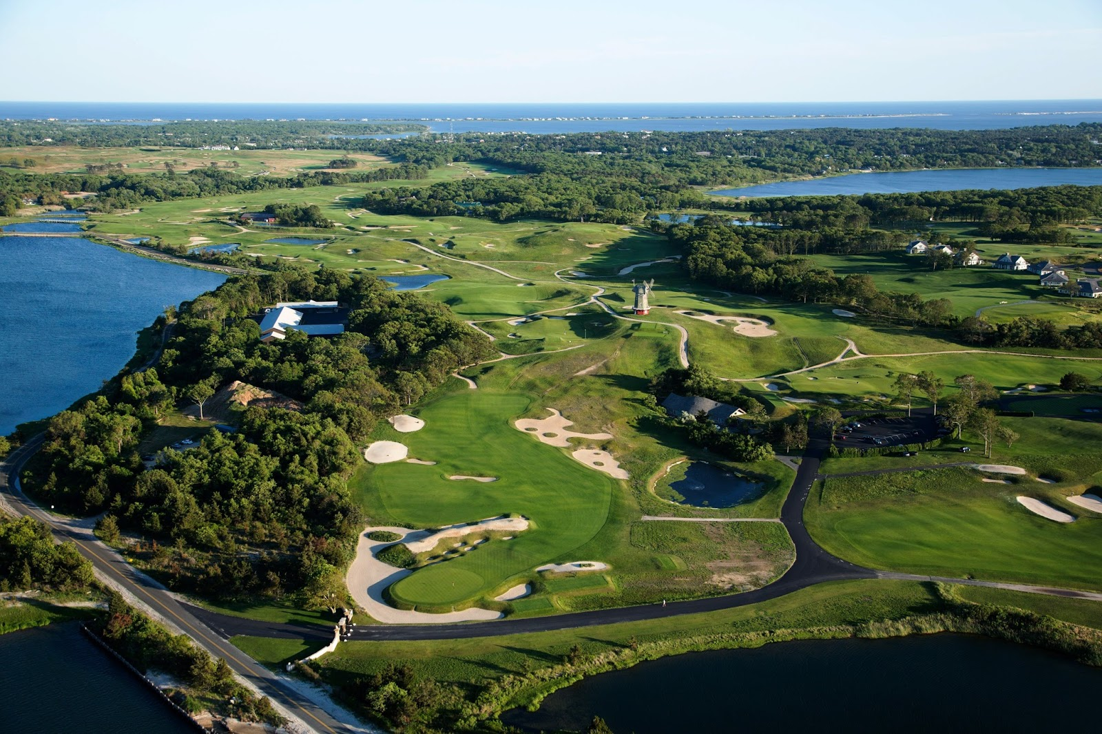 Top 10 Most Beautiful Golf Courses in The World