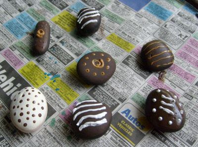 painted rocks, stones, candy, chocolate, designs, Cindy Thomas