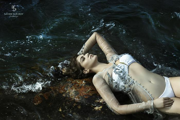 Sakshi Choudary Hot Bikini Photos-Sexy Navel Show