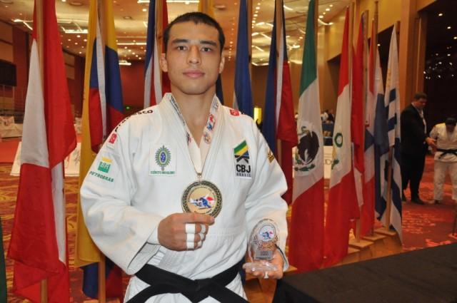 Judoca registrense Eduardo Katsuhiro conquista ouro no Pan-Americano 2017