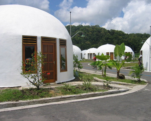 www.Tinuku.com Construction earthquake-resistant design dome home village in Yogyakarta