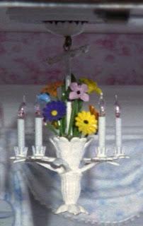 kendra 39 s minis broken dollhouse chandelier. Black Bedroom Furniture Sets. Home Design Ideas