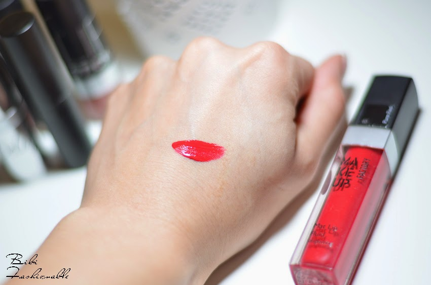 Make Up Factory Mat Lip Fluid Pure Red Swatch