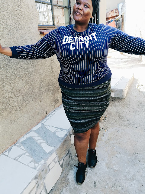 plus size blogger wearing stripes, south african plus size blogger, plus size mr price,
