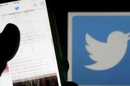 Twitter Bungkam Akun Penyebar Konspirasi Alex Jones