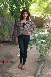 Tamil Actress Sai Dhansika at Vizhithiru Movie Press Meet Stills  0015.jpg