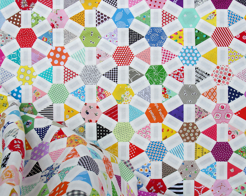 Wagon Wheel Quilt   English Paper Piecing   © Red Pepper Quilts 2017