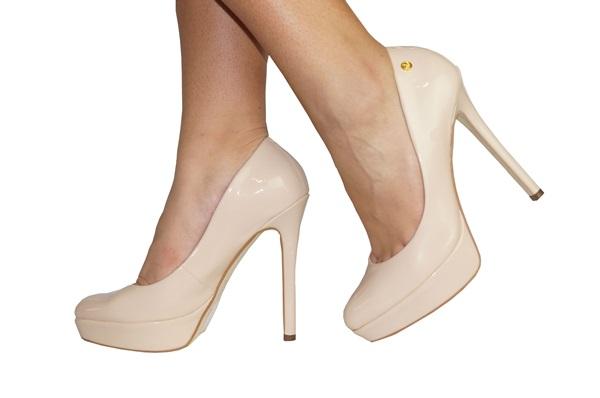 Sapato de Salto Nude Fica Lindo para Baixinhas e Gordinhas