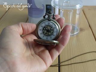 collana orologio con gufo