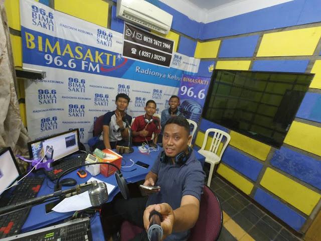 Lowongan Penyiar Radio Bimasakti FM