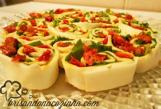 http://www.brisandonacozinha.com/2013/02/rondelli-de-bufala-com-rucula-e-tomate.html