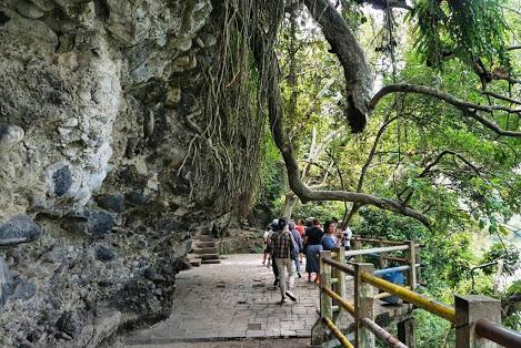 Pesona Wisata Alam Goa Kreo Semarang