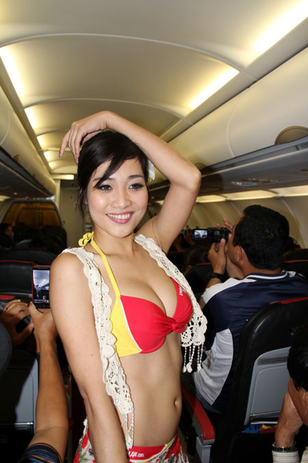 Vietjet Air Sexy Stewardess, contestant of a local beauty pageant, Miss Ngoi Sao