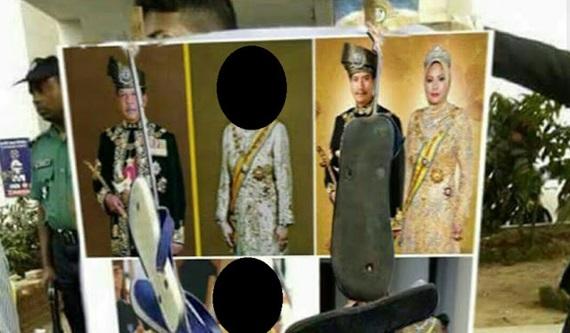 Raja-Raja Melayu Dihina Dengan Selipar & Spender Depan Kedutaan Malaysia di Myanmar