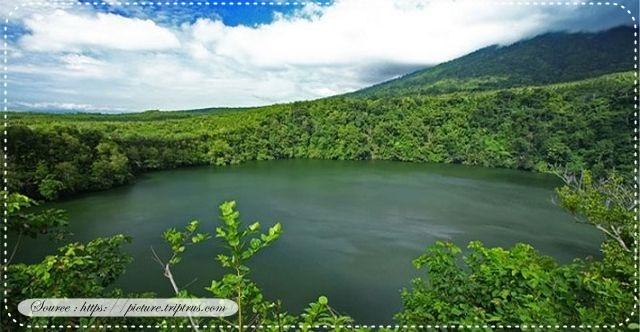 Danau Tolire besar merupakan salah satu danau di kota Ternate yang memiliki keunikan tersendiri